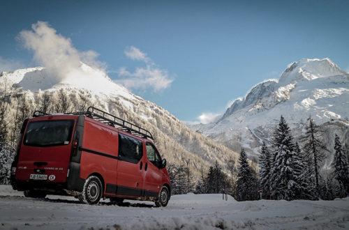 """<span class=""""entry-title-primary"""">Raf, vanlifer à temps complet en Suisse, nous raconte son mode de vie</span> <span class=""""entry-subtitle"""">Raf a depuis longtemps quitté son mode de vie sédentaire pour s'établir dans son Opel Vivaro sur les routes de Suisse.</span>"""