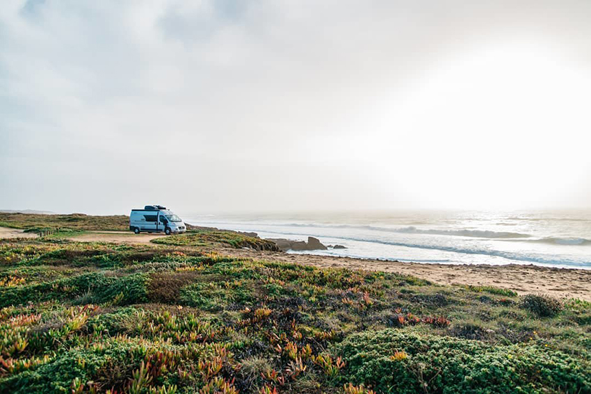 Yoga, Surf & Vanlife – Les voyages en fourgon d'une famille de 3