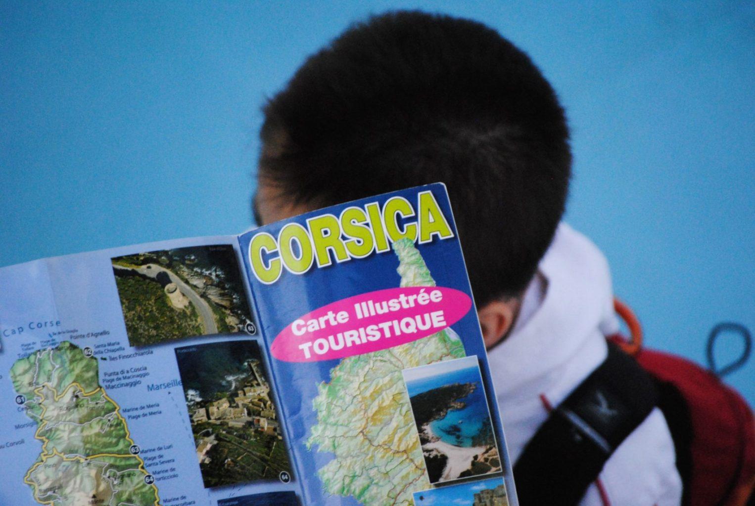 Organiser un road trip en van en Corse